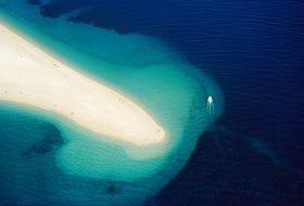 5 najboljših plaž na Hrvaškem, do katerih bi morali pluti v tej sezoni