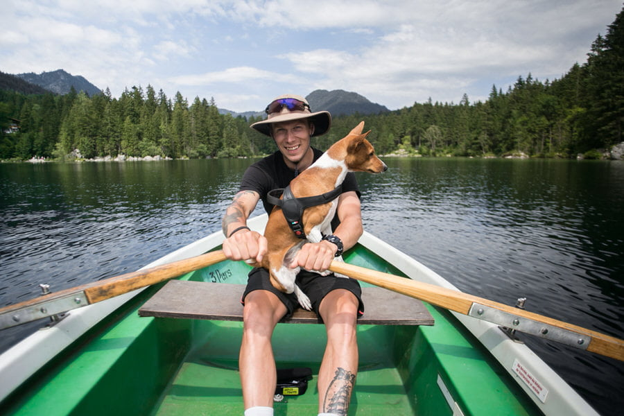 Jadranje s psom - 8 nasvetov, kako psu pomagati, da postane morski pes 2
